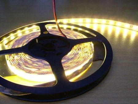 5050 SMD LED szalag, IP20 beltéri, meleg fehér, 60Led/méter RENDELÉSRE !!!!! 2-3 munkanap