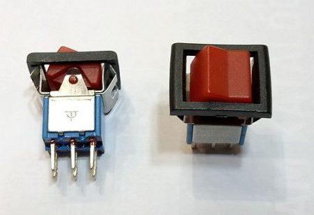2 áramkör 2 állású kapcsoló on-on 250V 3A KAPHATÓ !!!!!!