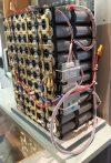 LifePo4 akkumlátor pack építési példa, 25,6V (20-29V között) 80A 2,048KWh kapacitás, 160db LifePo4 akkuból, napelemes szigetüzemhez.
