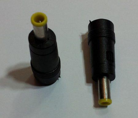 DC átalakító adapter 5,0/3,3mm, középen tüskével dugó - 5,5/2,1 aljzat KIFOGYOTT !!!!!