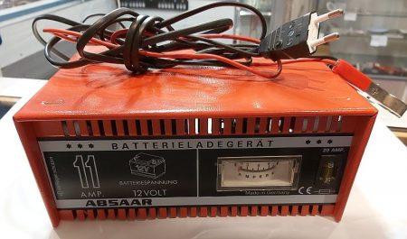 ABSAAR 12V akkumulátor töltő 11A max (használt újszerű) KAPHATÓ !!!!!!